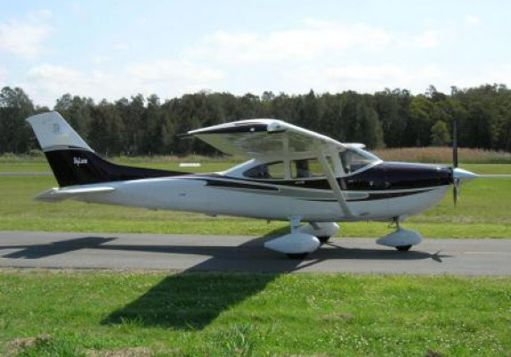 2004 Cessna 182T Non Turbo Skylane SOLD